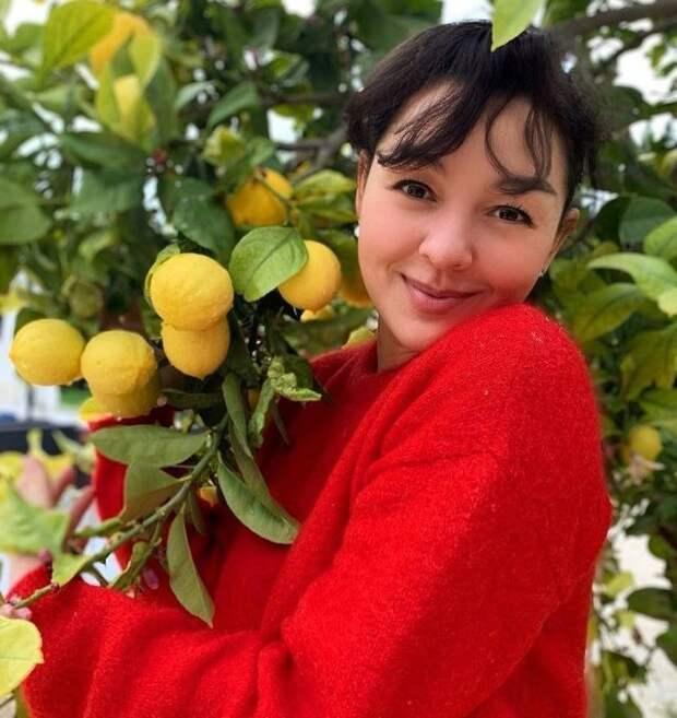 Марина Кравец - самая смешная женщина российского телевидения в красном свитере