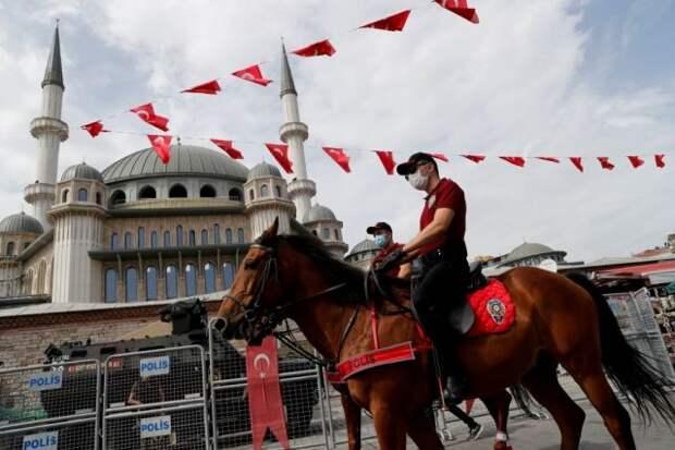 Турция смягчила антикоронавирусные ограничения
