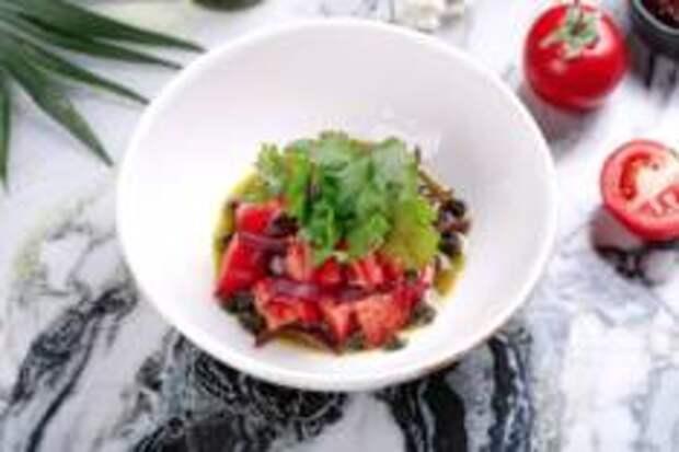 Гастропутешествие в лето - Сладкие томаты с песто и красным луком