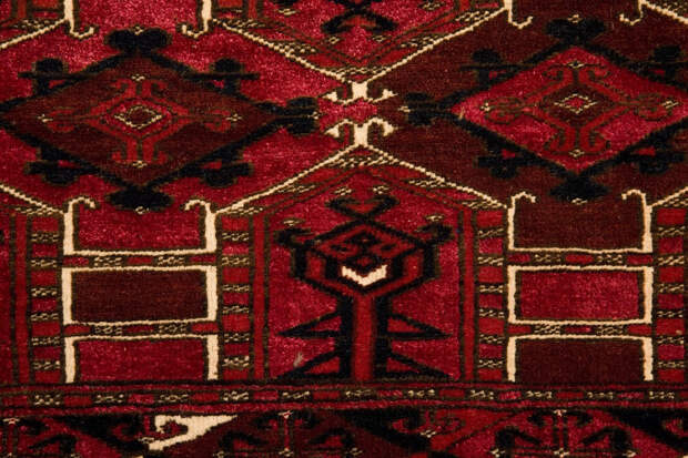 23.07.21 - 23.01.22 Выставка «В гармонии с красным: туркмены» в Российском этнографическом музее