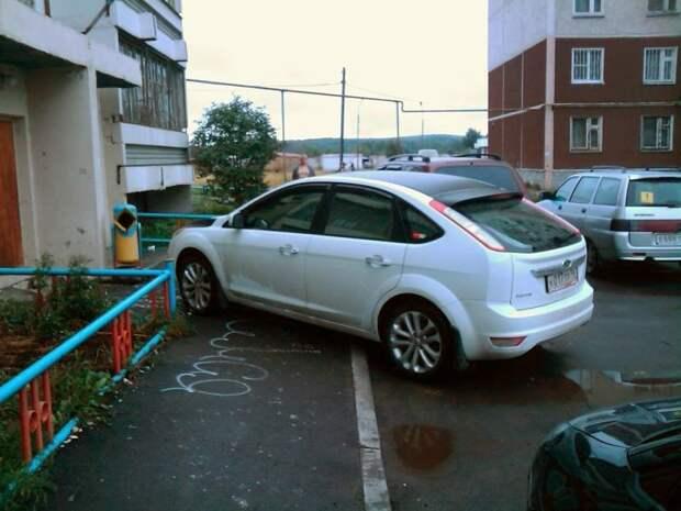 Парковка во дворе многоквартирного дома: чего делать нельзя автомобиль, двор, парковка, пдд, стоянка