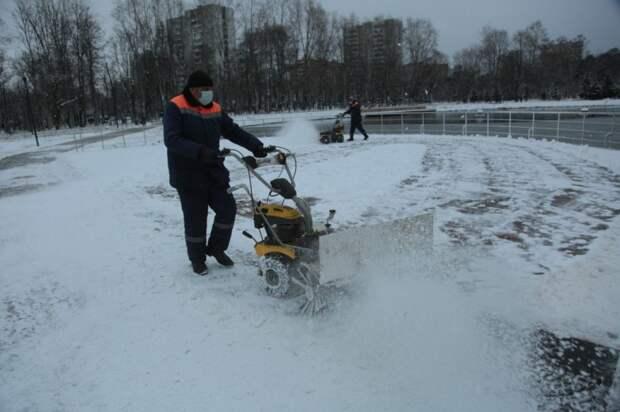 Идет уборка снега. Фото: Андрей Дмытрив