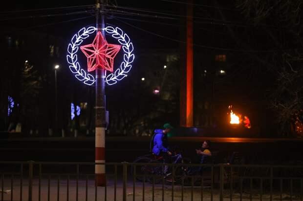 Дзержинск продолжают украшать иллюминацией