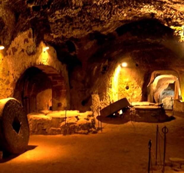 6 поражающих впечатление подземных поселений в разных уголках планеты