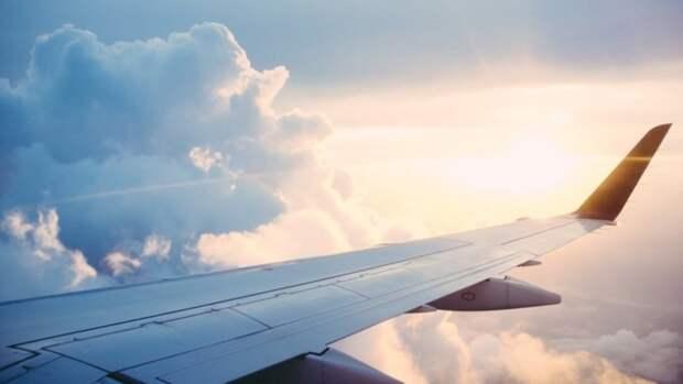 Российские авиакомпании могут начать начислять бонусы за прививку от COVID-19