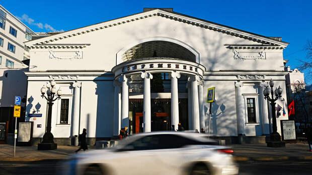 """Театр """"Современник"""" изменил монолог Ахеджаковой после жалобы """"Офицеров России"""""""