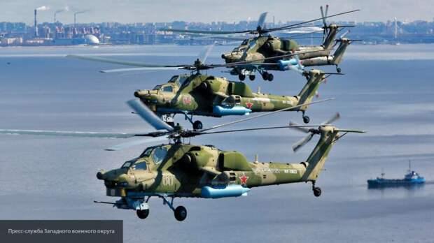 Парадный строй российской авиации в честь Великой Победы пролетел над Петербургом