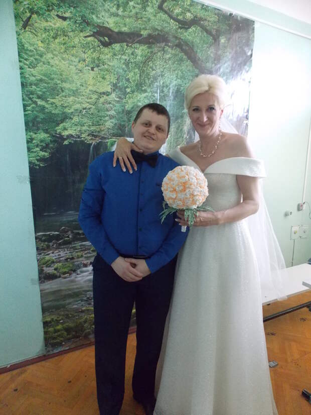 """Мужики женщину разочаровали: первый трансгендер женился на """"коренной москвичке"""" в СИЗО"""