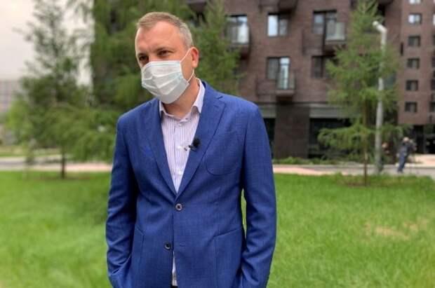 Евгений Попов помог москвичам ускорить переселение по программе реновации