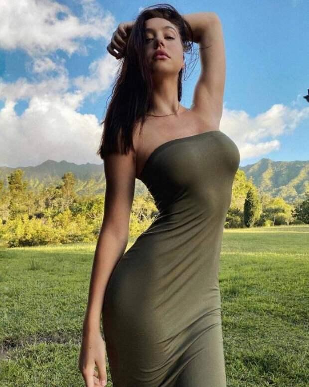 Фото для взрослых: девушки в обтягивающих платьях (35 фото)
