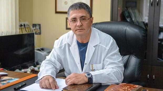 Доктор Мясников — о массовом убийстве в школе в Казани: «Результат пребывания в токсичной среде соцсетей, видеоигр»