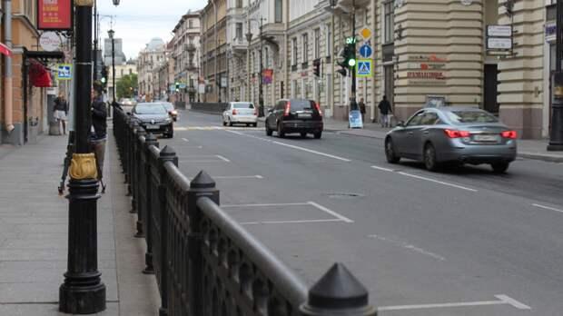 Жителям Петербурга первым станет доступен сервис паркшеринга IParkU