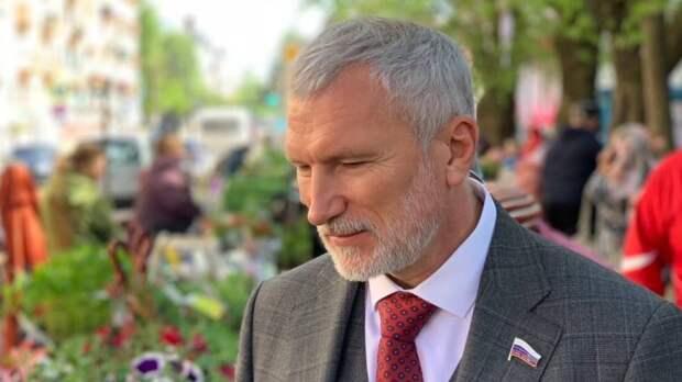 """""""Значит, надо действовать"""": Журавлев поддержал новгородцев в стремлении решать проблемы через суд"""