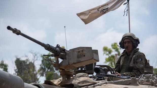 Израиль в ответ на обстрелы поразил десятки военных целей ХАМАС в секторе Газа