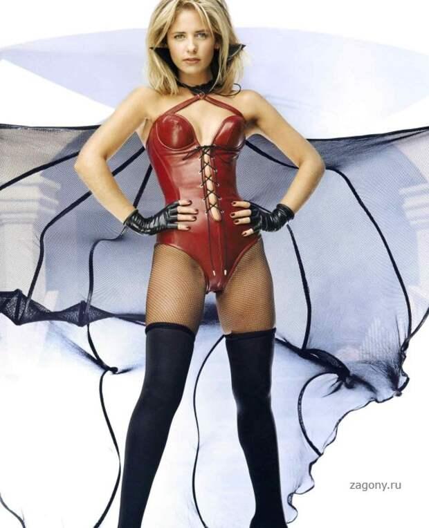 Сексуальная «Вампирская» фотосессия истребительницы вампиров Баффи.