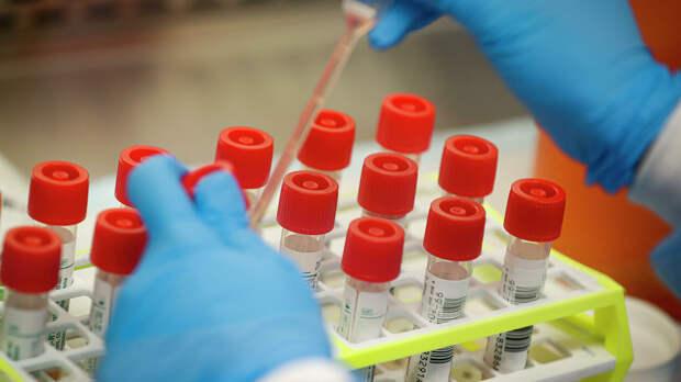 Лаборатория, проводящая тестирование на коронавирус в США - РИА Новости, 1920, 27.09.2021