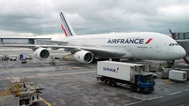 Первый за три дня самолет Air France отправился из Парижа в Москву