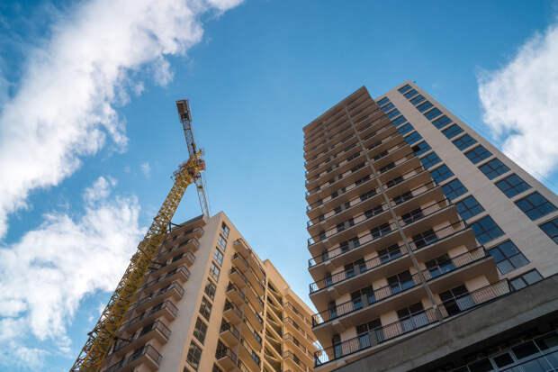 Стахановскими темпами: 2021 год может стать рекордным по количеству построенного жилья