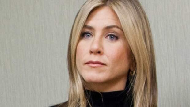 Звезда «Друзей» Энистон расплакалась на съемках спецэпизода