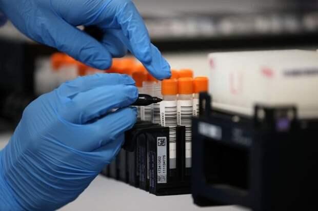В ВОЗ констатировали снижение заболеваемости COVID-19 в мире