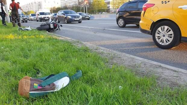 Мотоциклиста госпитализировали после ДТП на Алтуфьевском шоссе