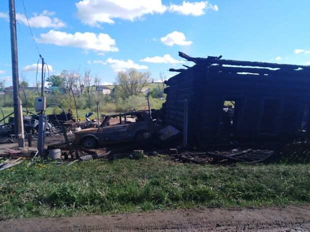 Семья с 5 детьми в Воткинском районе осталась без крыши над головой из-за пожара