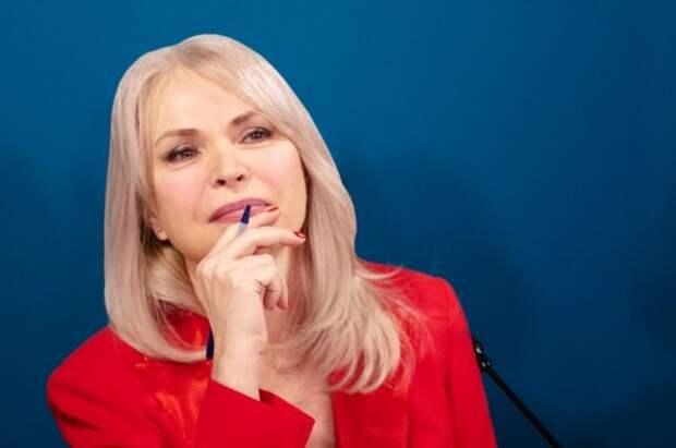Белых предложила давать баллы к ЕГЭ за победу в патриотическом конкурсе