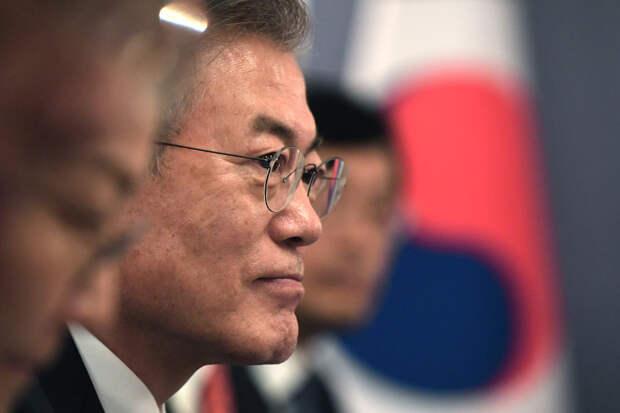 """Мун Чжэ Ин заявил о """"неполном успехе"""" запуска ракеты-носителя """"Нури"""""""