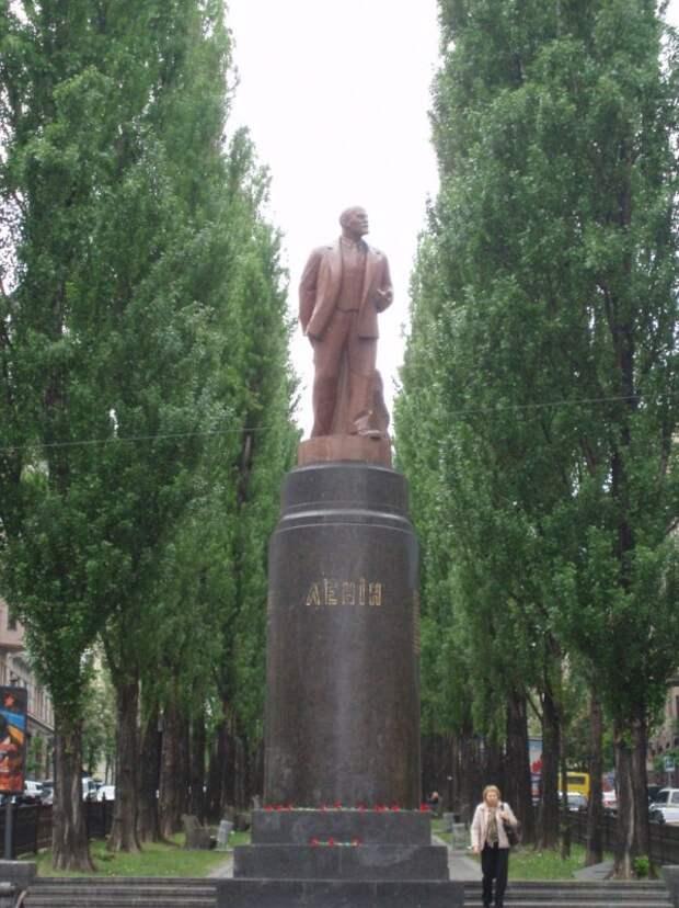 День в истории. Падение Ильича