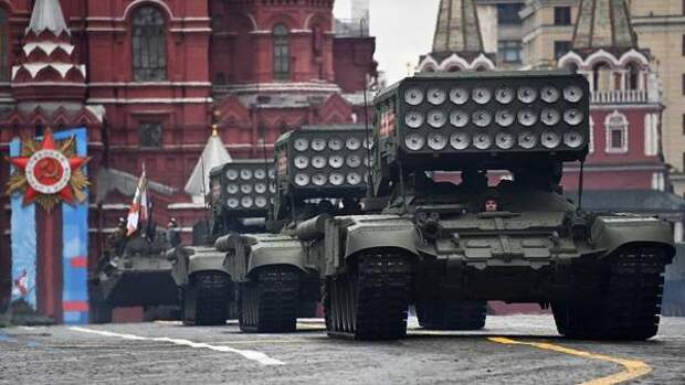 В США восхитились российской военной техникой на Параде Победы
