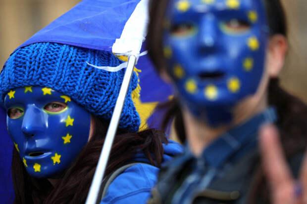 В ЕС зарплату мужчин и женщин захотели сделать равной
