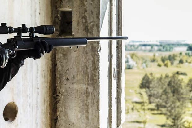 Мужчина открыл стрельбу из окна квартиры в Екатеринбурге
