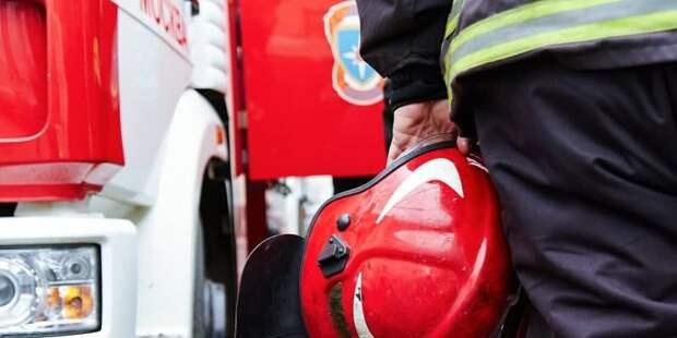 В центре оптово-розничной торговли на Дмитровке загорелся автомобиль