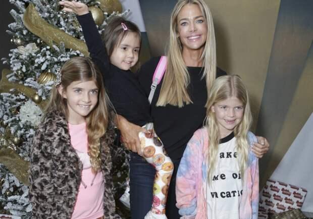 7 знаменитых женщин, ставших мамами детей-погодков