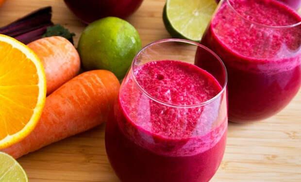 Весенний сок от простуды: смешиваем свеклу, морковь и мед