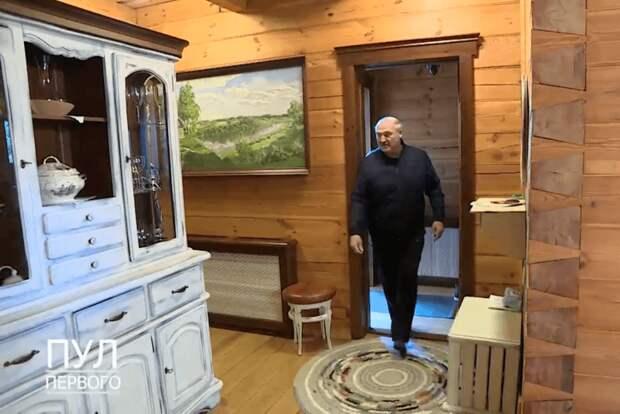 Александр Лукашенко показал свой «любимый дворец». В нём он жил с сыном Колей (фото)