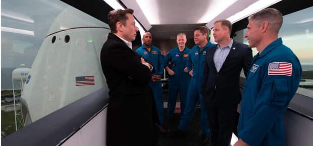 SpaceX выиграла контракт NASA по доставке астронавтов на Луну