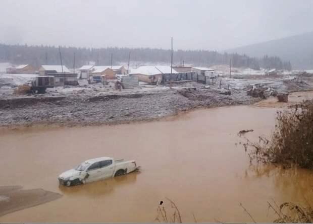 В Красноярском крае объявили траур после обрушения дамбы