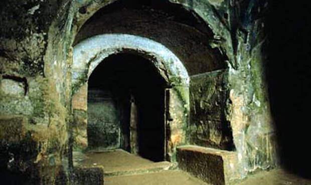 Пещера Сивиллы — вход в иной мир?