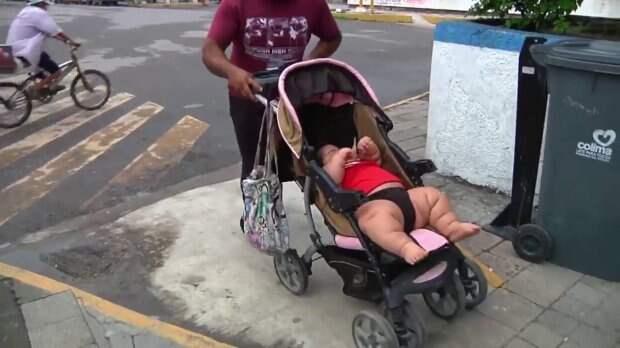 Этот малыш весит, как 9-летний ребенок, и все из-за редкого недуга болезнь, в мире, вес, дети, избыточный вес, люди, ребенок, фигура