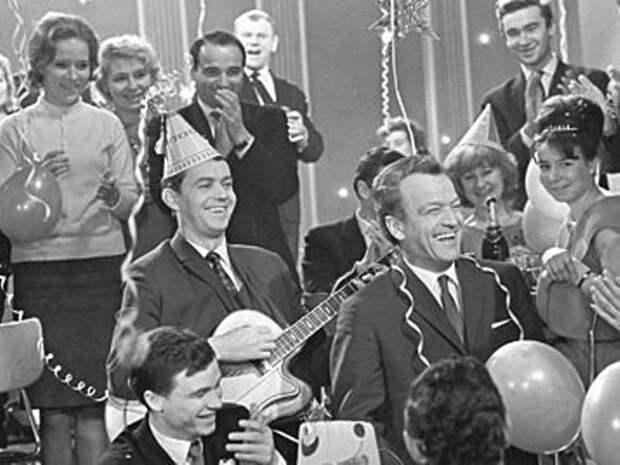 """То, чего мы не знали о передаче """"Голубой огонек"""": как раньше выглядела советская эстрада СССР, голубой огонек, ностальгия, старый новый год, эстрада"""