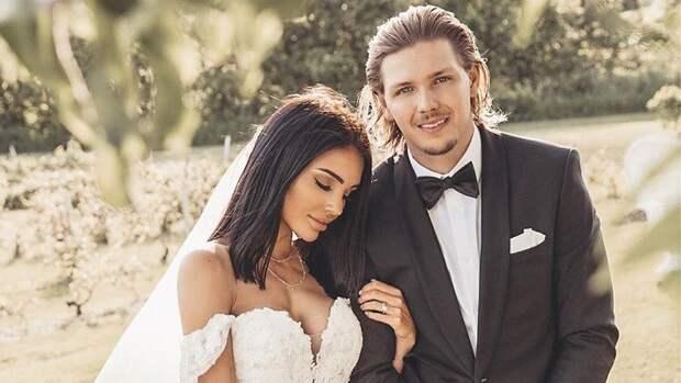 Женившийся наканадской модели хоккеист «Авангарда» Щербак: «Такую девушку отпускать нельзя»