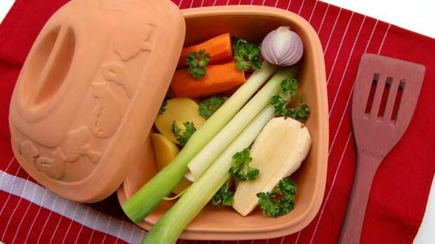 Нутрициолог Белоусова назвала оптимальный срок диеты для похудения
