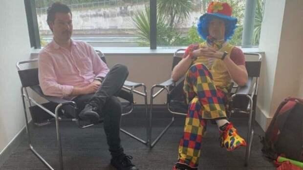 Джош с клоуном Джо