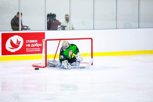 «Канада ошеломила: в одном Онтарио 50 команд — у нас все по домам». Как с нуля строят детский следж-хоккей в России