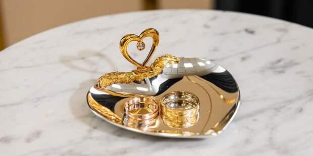 В первом полугодии ЗАГСы столицы получили более 50 тысяч заявлений о браке
