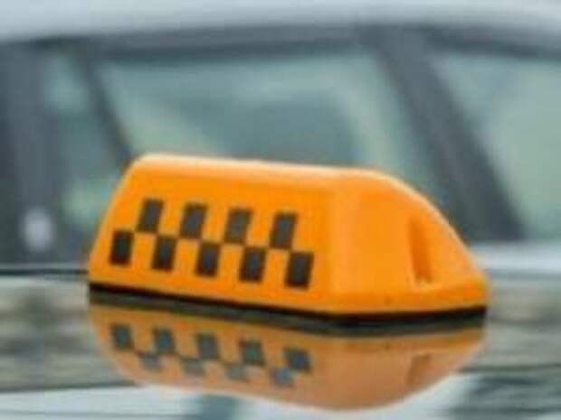 Липецкая полиция разыскивает таксиста-лихача