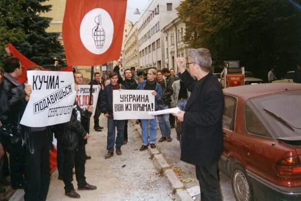 Экс-премьер Украины признал незаконность захвата Севастополя