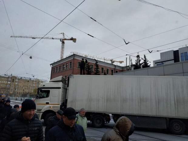 Что случилось с отцом 7 детей, который на Камазе перекрыл движение в центре Москвы