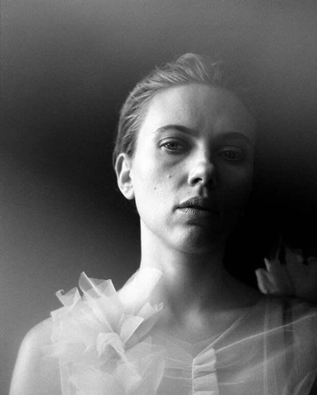 «Я слишком романтизировала замужнюю жизнь»: Скарлетт Йоханссон о разводах и третьем замужестве